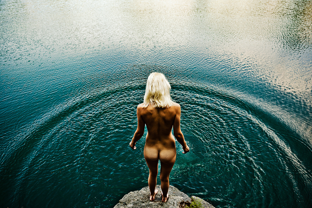 the_tree_mag-underwater-nude-rock-quarry-by-neil-craver-10.jpg