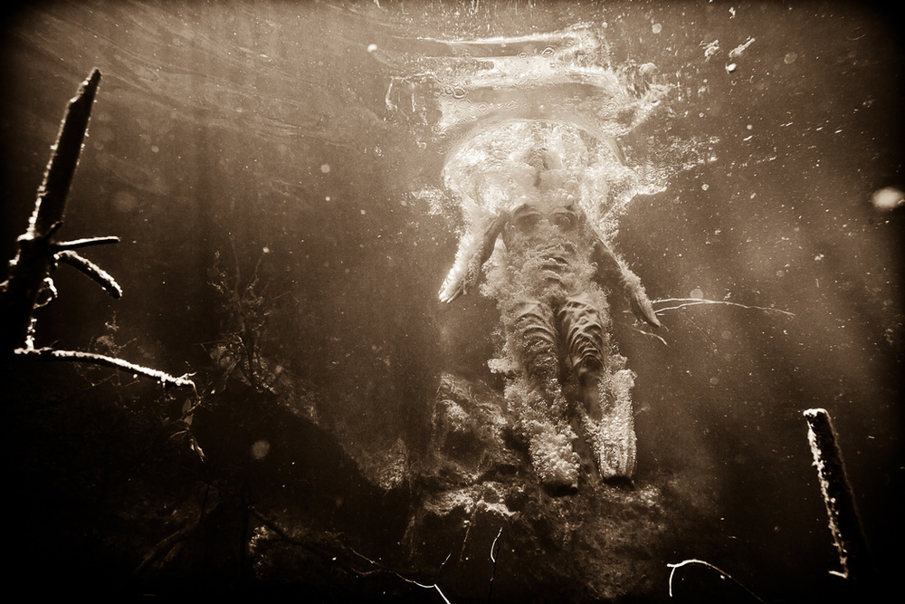 the_tree_mag-underwater-nude-rock-quarry-by-neil-craver-30.jpg