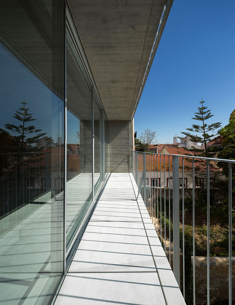 the-tree-mag_house-in-lisbon-by-arx-portugal-arquitectos-60.jpg