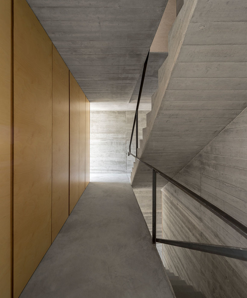the-tree-mag_house-in-lisbon-by-arx-portugal-arquitectos-80.jpg