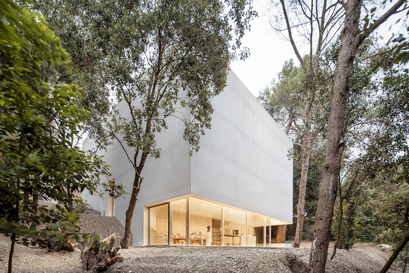 the-tree-mag_painters-studio-for-arranz-bravo-by-garcs-de-seta-bonet-arquitectes-10.jpg