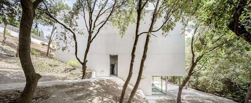 the-tree-mag_painters-studio-for-arranz-bravo-by-garcs-de-seta-bonet-arquitectes-30.jpg