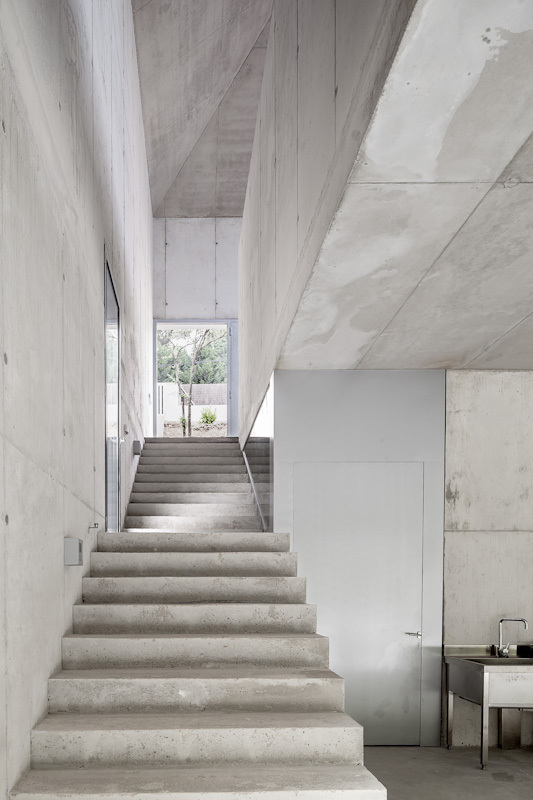 the-tree-mag_painters-studio-for-arranz-bravo-by-garcs-de-seta-bonet-arquitectes-110.jpg