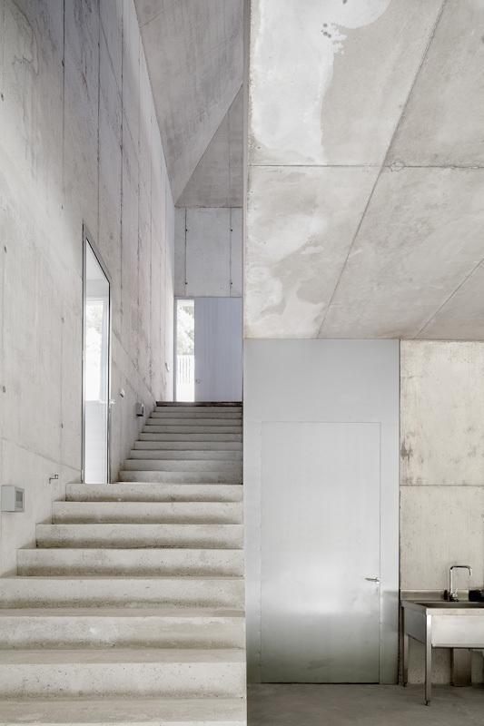 the-tree-mag_painters-studio-for-arranz-bravo-by-garcs-de-seta-bonet-arquitectes-120.jpg