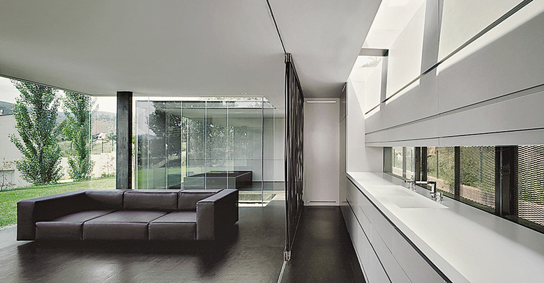 the-tree-mag_m-lidia-house-in-montagut-by-rcr-arquitectos-20.jpg