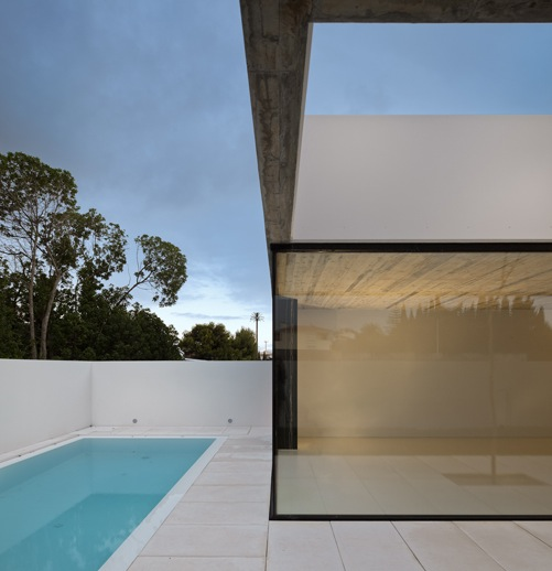 the-tree-mag_house-in-aldeia-do-juso-by-arx-and-stefano-riva-50.JPG
