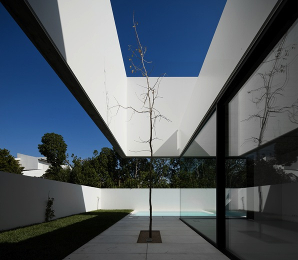 the-tree-mag_house-in-aldeia-do-juso-by-arx-and-stefano-riva-60.jpg