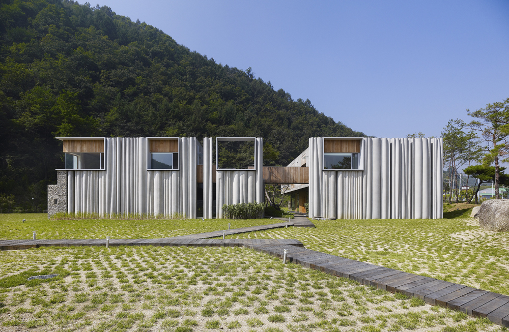 the-tree-mag_hanil-visitors-center-guest-house-by-bcho-architects-30.jpg