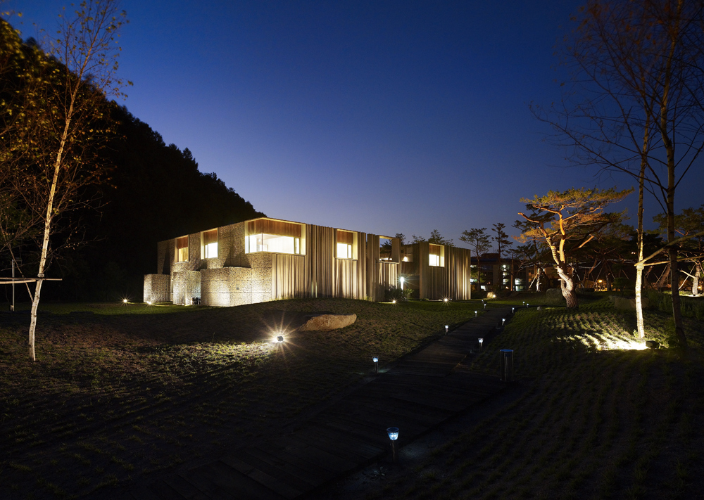 the-tree-mag_hanil-visitors-center-guest-house-by-bcho-architects-190.jpg