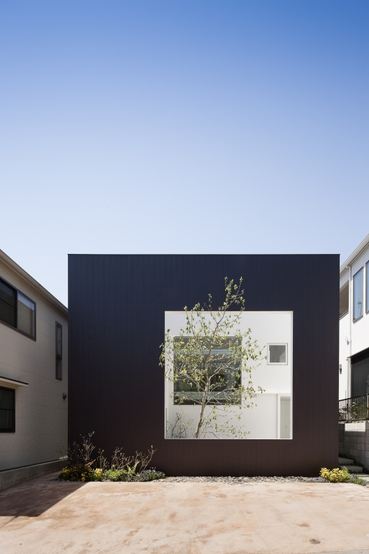 the-tree-mag-frame-by-uid-architects-10b.jpg