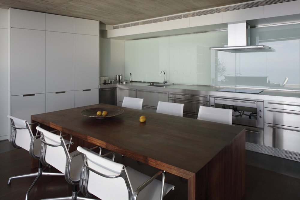 the-tree-mag-house-at-jardin-del-sol-by-corona-y-p-amaral-arquitectos-30.jpg