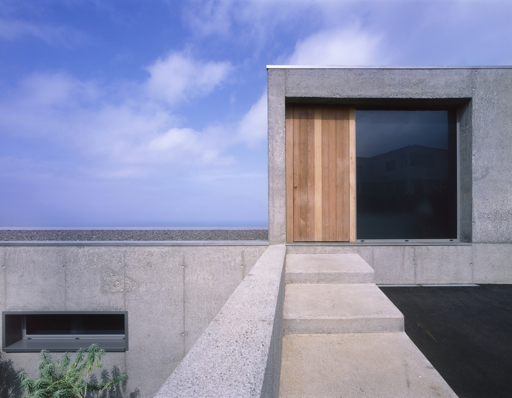 the-tree-mag-house-at-jardin-del-sol-by-corona-y-p-amaral-arquitectos-50.jpg