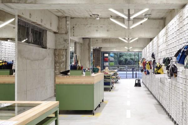 the-tree-mag-freitag-store-tokyo-by-torafu-architects-70.jpg