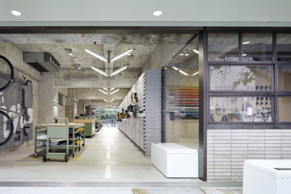 the-tree-mag-freitag-store-tokyo-by-torafu-architects-80.jpg