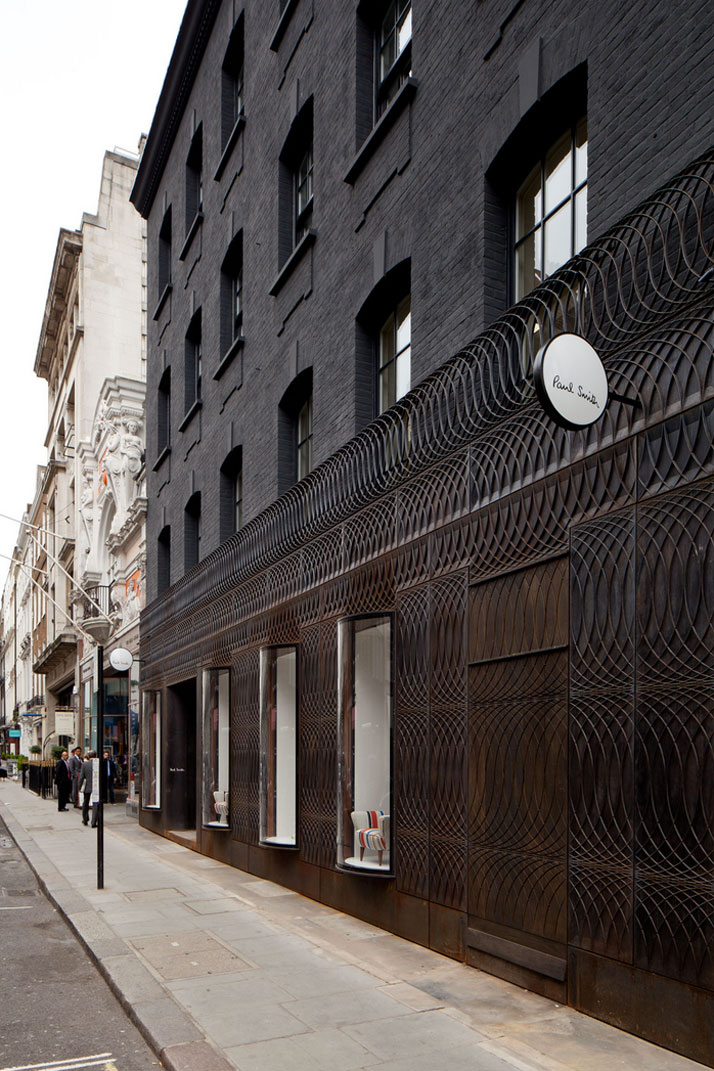 the-tree-mag paul-smith-albemarle-street-store-facade-by-6a-architects-20.jpg
