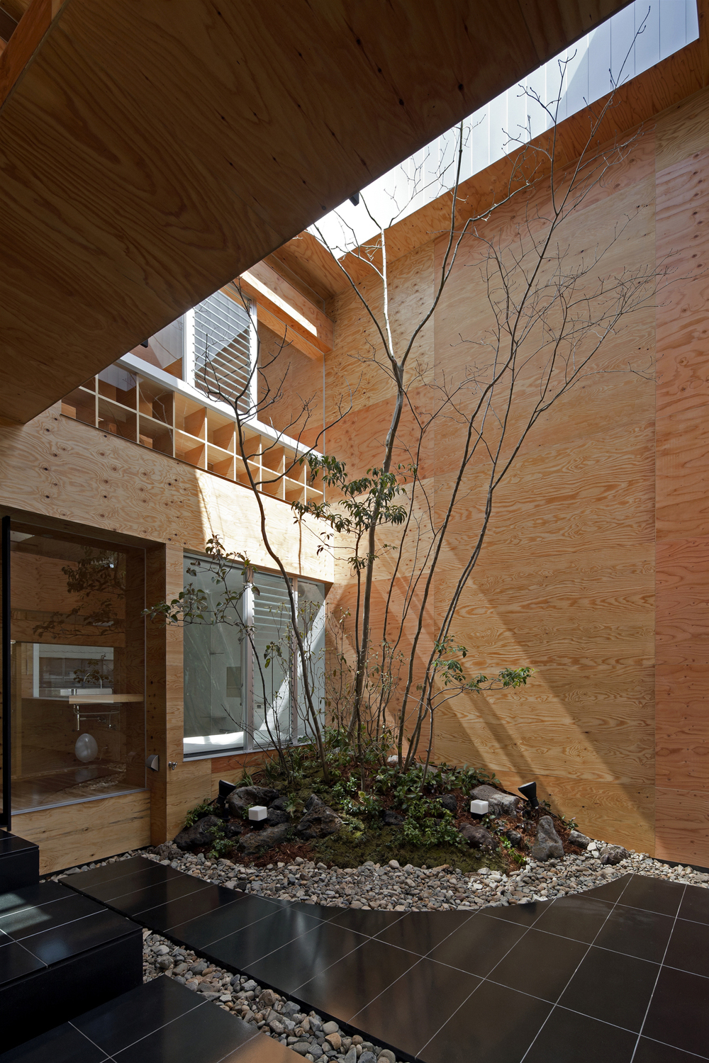 the-tree-mag-machi-building-by-uid-architects-40.jpg