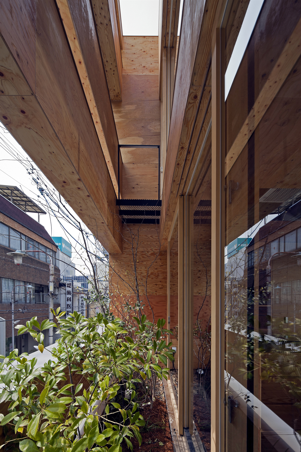 the-tree-mag-machi-building-by-uid-architects-60.jpg