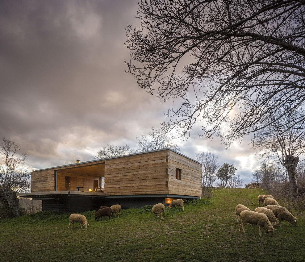 the-tree-mag-casa-4-estaciones-by-chqs-arquitectos-10.jpg