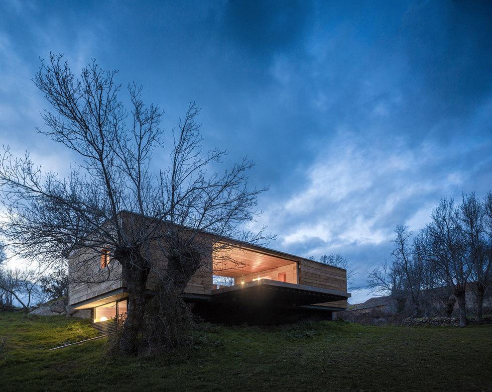 the-tree-mag-casa-4-estaciones-by-chqs-arquitectos-40.jpg