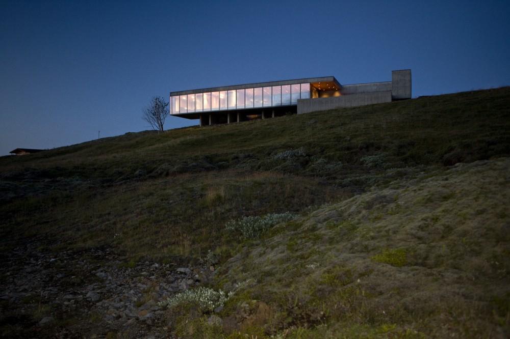 the-tree-mag-arborg-house-by-pk-arkitektar-60.jpg