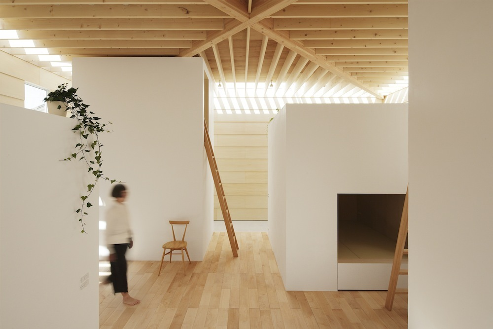 the-tree-mag Light Walls House by mA-style Architects 80.jpg