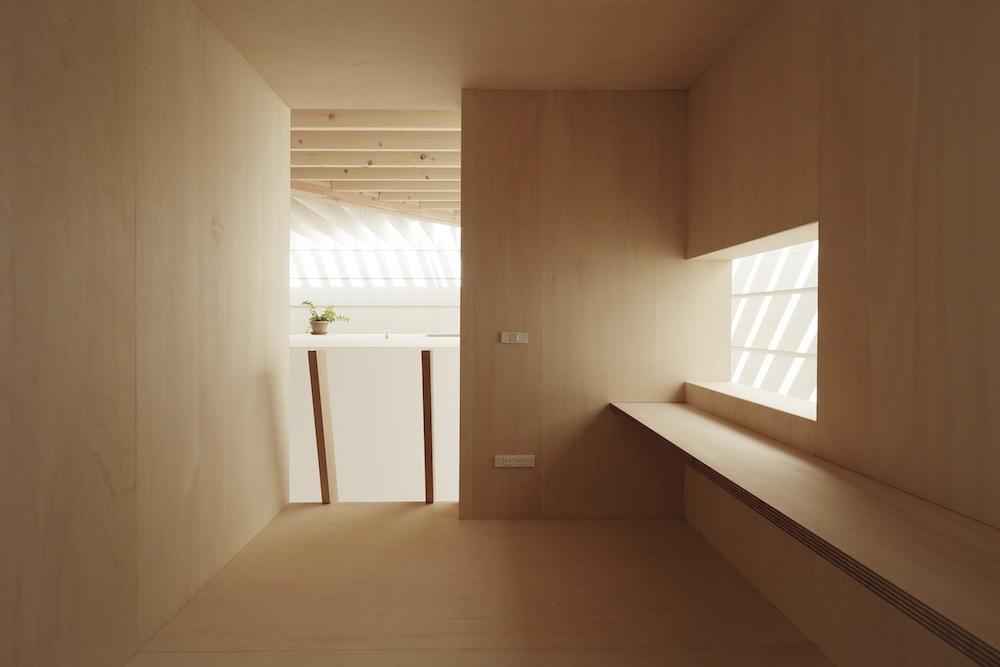 the-tree-mag Light Walls House by mA-style Architects 190.jpg