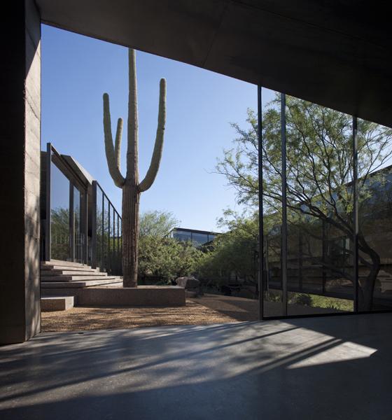 the-tree-mag_desert-courtyard-house-by-wendell-burnette-architects-50.jpg
