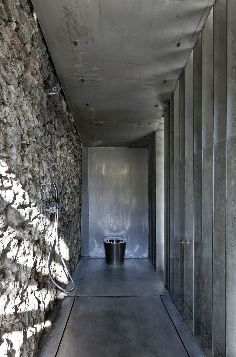 the-tree-mag_casa-entremuros-by-rcr-arquitectes-60.jpg
