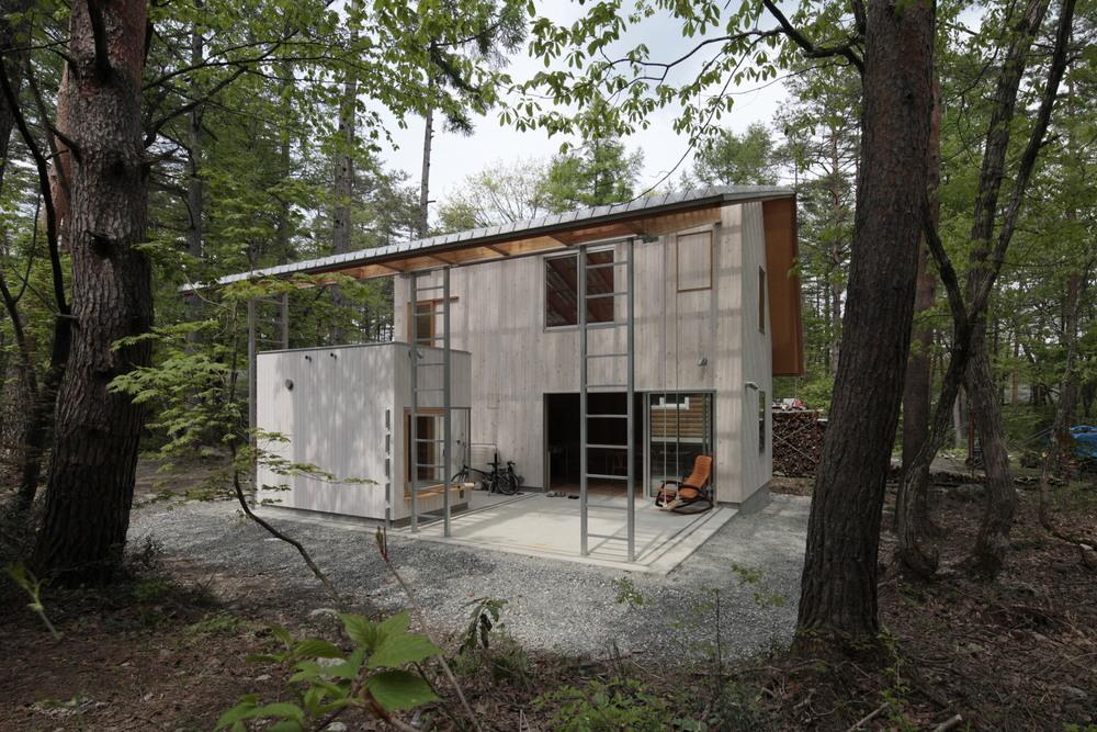 the-tree-mag-villa-in-hakuba-by-naka-architects-60.jpg