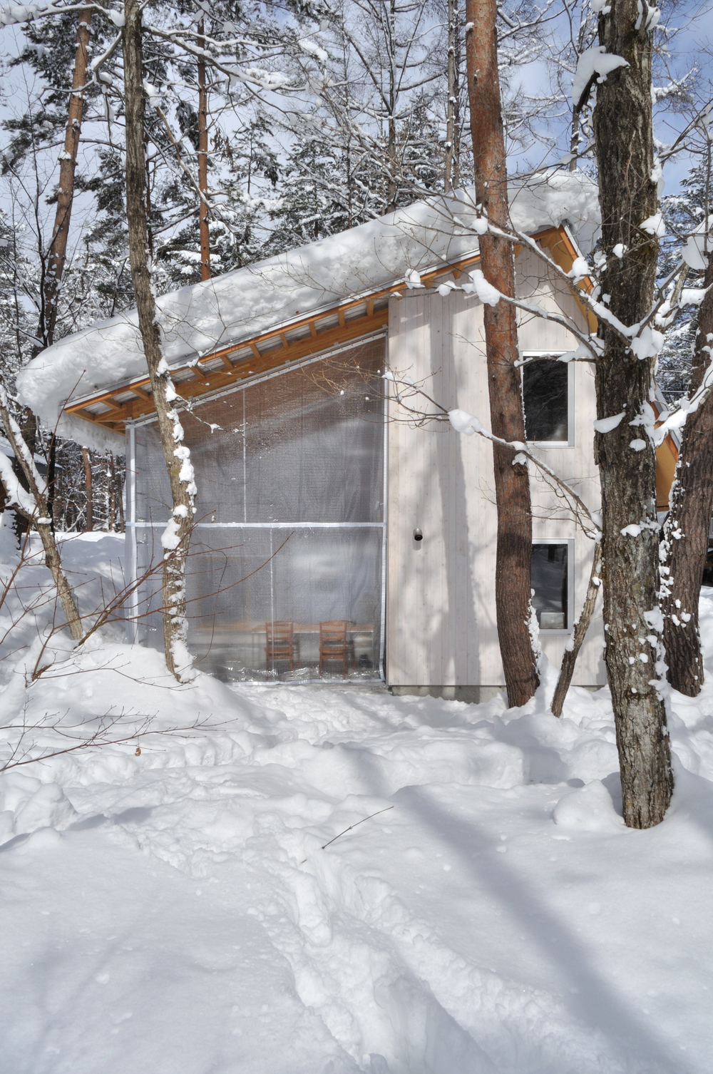 the-tree-mag-villa-in-hakuba-by-naka-architects-20.jpg