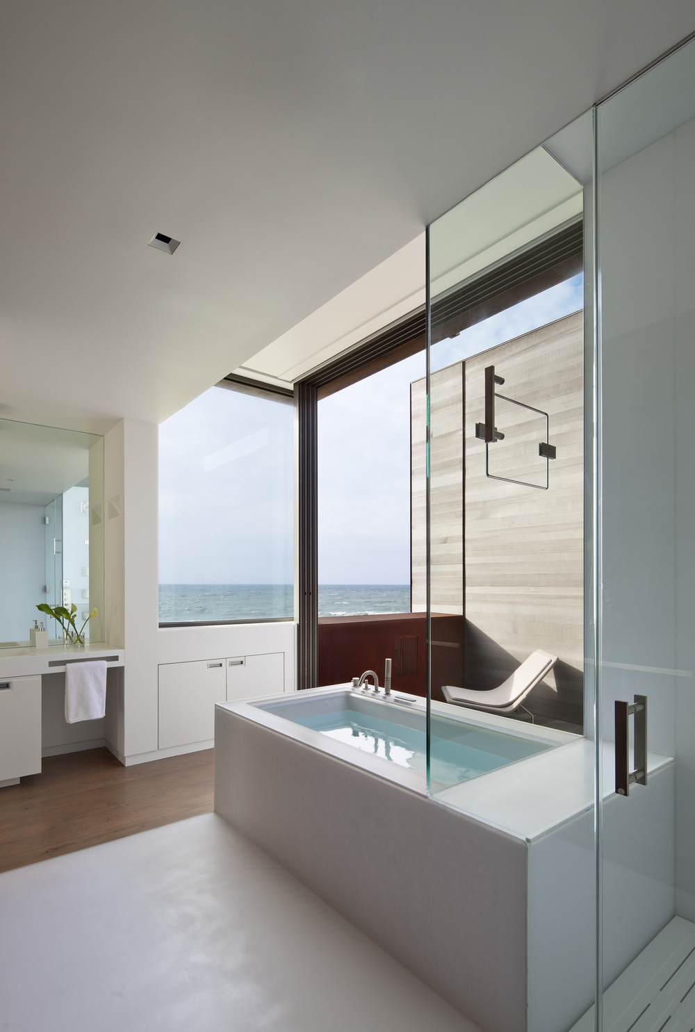 the-tree-mag-sagaponack-by-bates-masi-architects-150.jpg