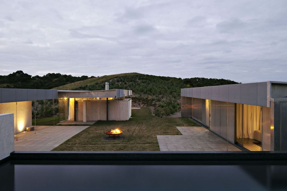 the-tree-mag-island-retreat-by-fearon-hay-architects-30.jpg