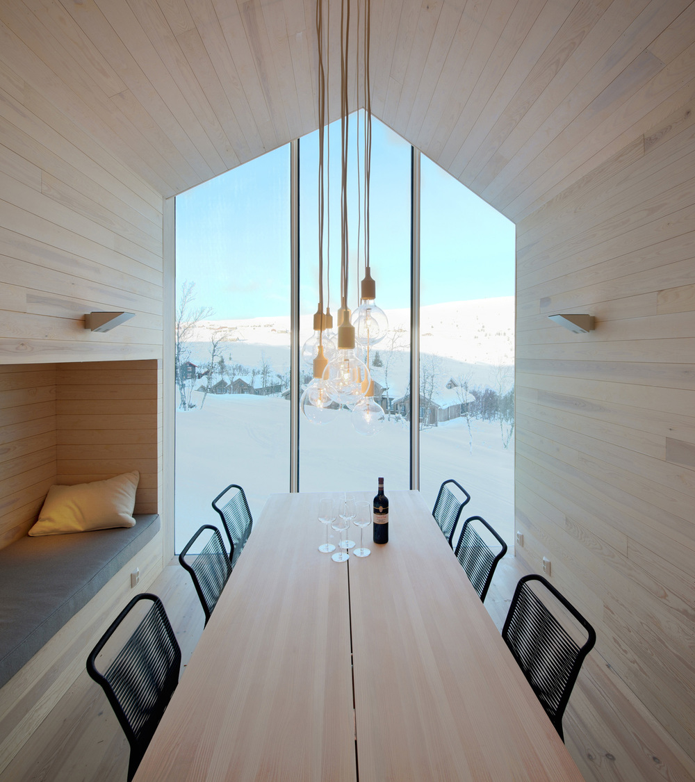 the-tree-mag-split-view-mountain-lodge-by-reiulf-ramstad-arkitekter-30s.jpg