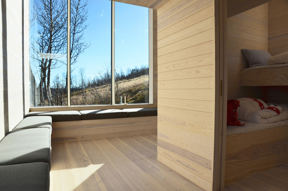 the-tree-mag-split-view-mountain-lodge-by-reiulf-ramstad-arkitekter-40s.jpg