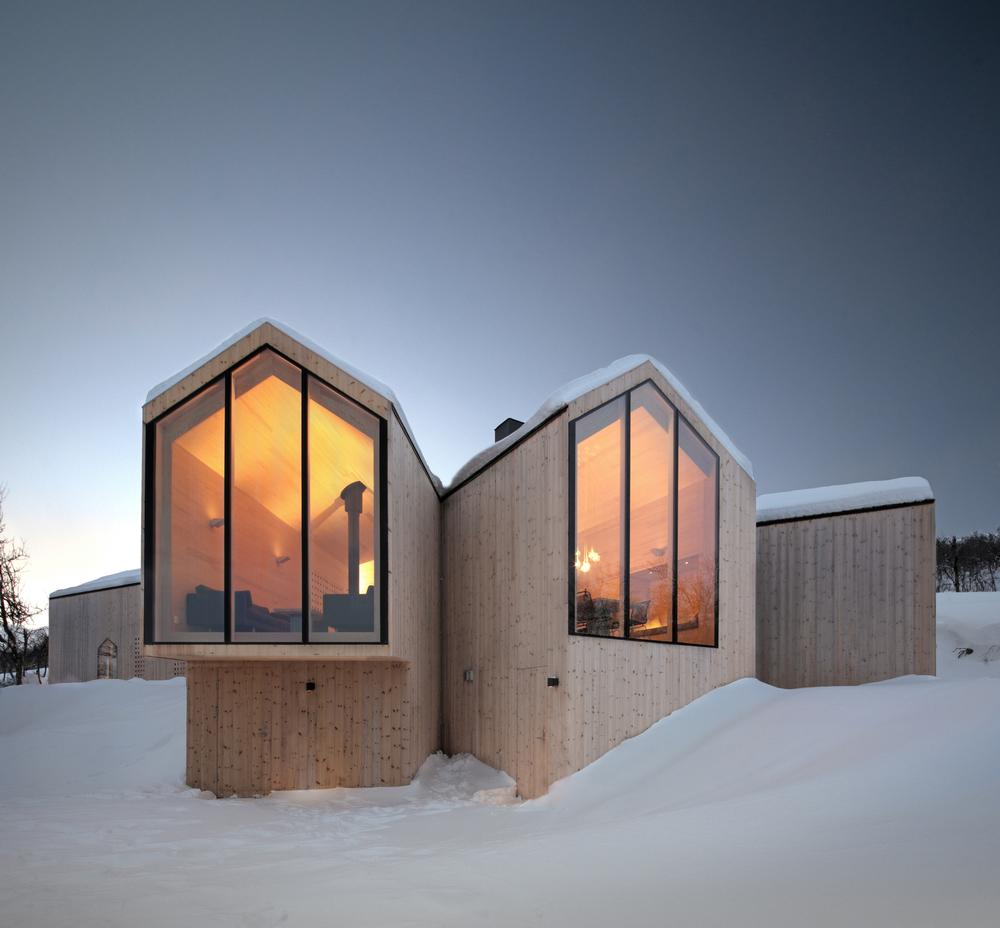 the-tree-mag-split-view-mountain-lodge-by-reiulf-ramstad-arkitekter-10.jpg
