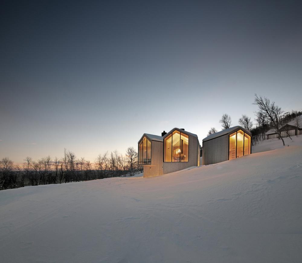 the-tree-mag-split-view-mountain-lodge-by-reiulf-ramstad-arkitekter-70.jpg