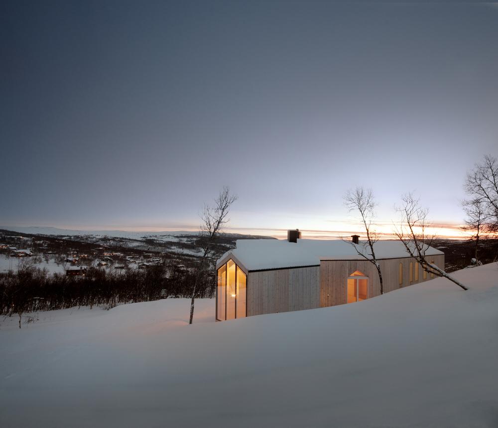 the-tree-mag-split-view-mountain-lodge-by-reiulf-ramstad-arkitekter-80.jpg