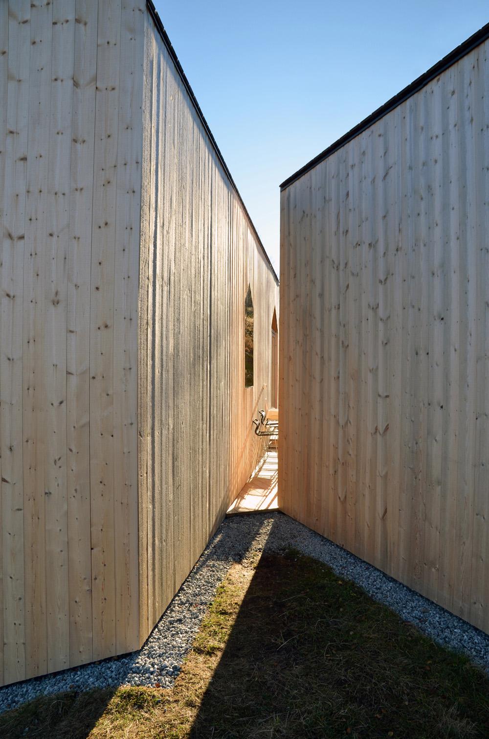 the-tree-mag-split-view-mountain-lodge-by-reiulf-ramstad-arkitekter-130b.jpg