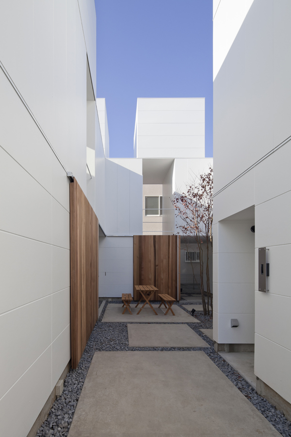 the-tree-mag_house-in-kamisoshigaya-by-eana_30.jpg