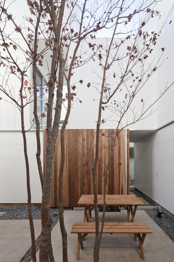 the-tree-mag_house-in-kamisoshigaya-by-eana_60.jpg