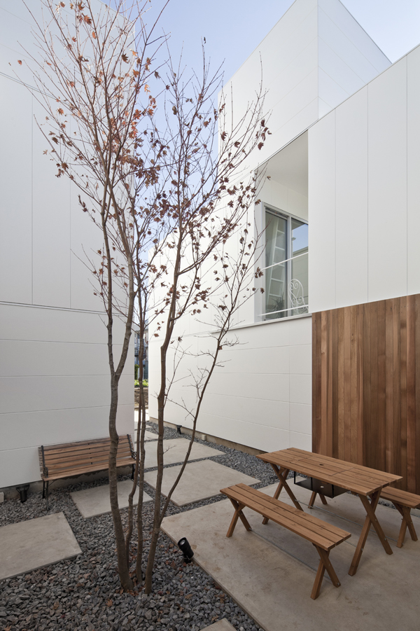 the-tree-mag_house-in-kamisoshigaya-by-eana_50.jpg