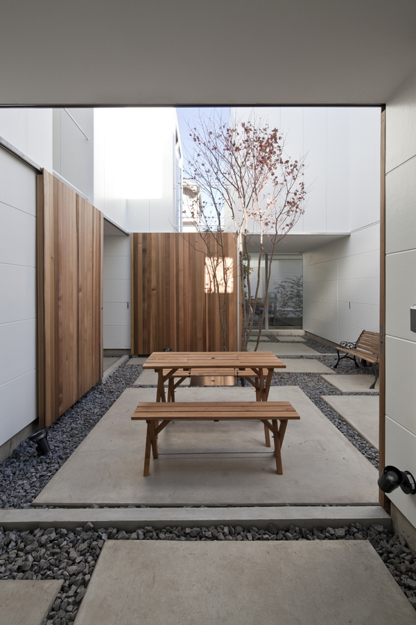 the-tree-mag_house-in-kamisoshigaya-by-eana_70.jpg
