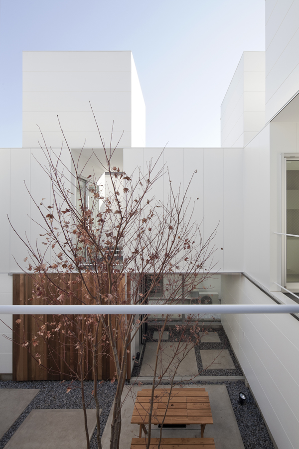 the-tree-mag_house-in-kamisoshigaya-by-eana_190.jpg