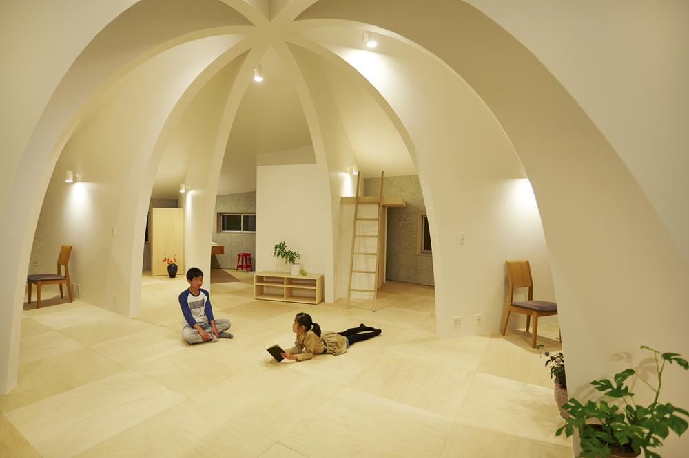 the-tree-mag_house-i-by-hiroyuki-shinozaki_90.jpg