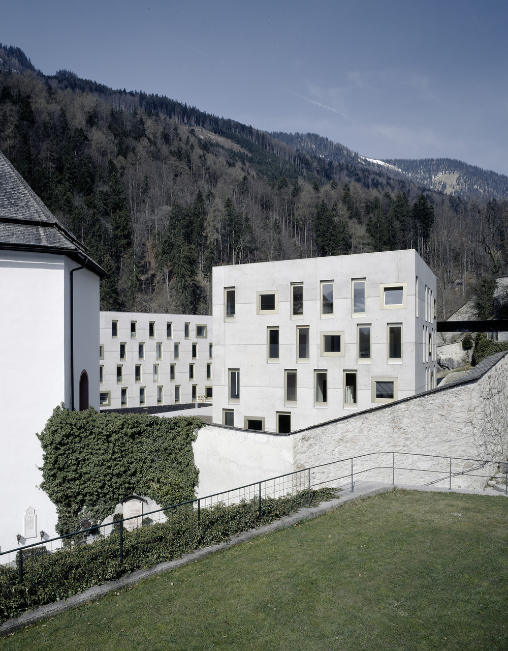 the-tree-mag_special-school-and-dormitory-mariatal-by-marte-marte-architects_60.jpg
