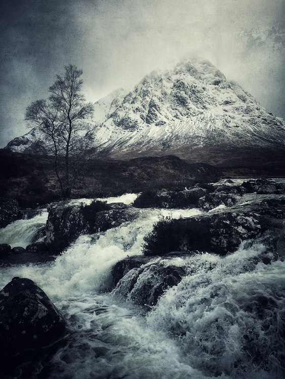 the-tree-mag_iphoneonly-Etive-by-Julian-Calverley_40.jpg