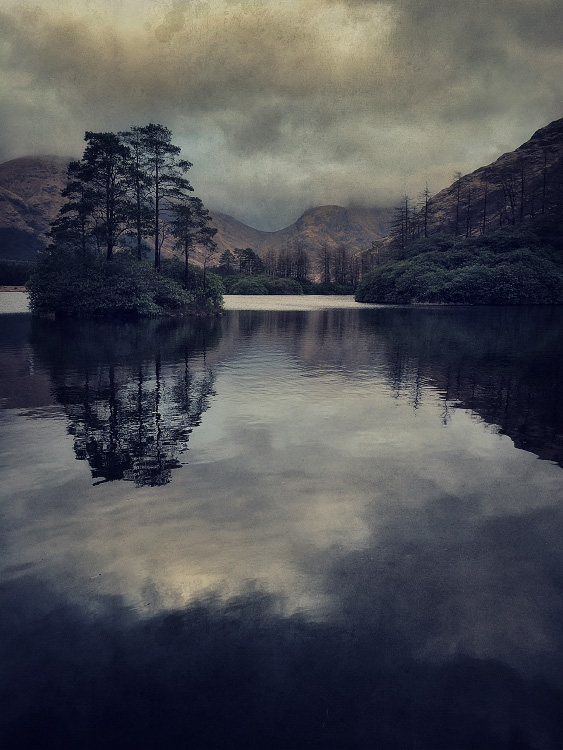the-tree-mag_iphoneonly-Etive-by-Julian-Calverley_60.jpg