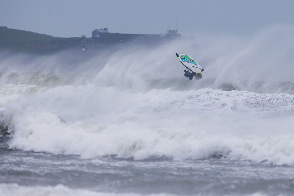 the-tree-mag_red-bull-storm-chase-20132014-mission-3-cornwall_30.jpg
