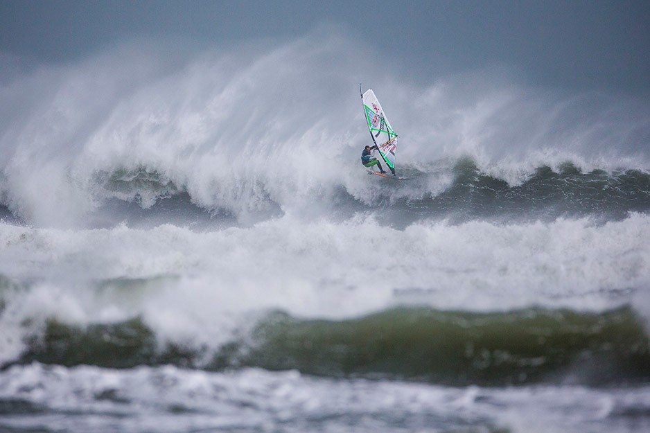 the-tree-mag_red-bull-storm-chase-20132014-mission-3-cornwall_40.jpg