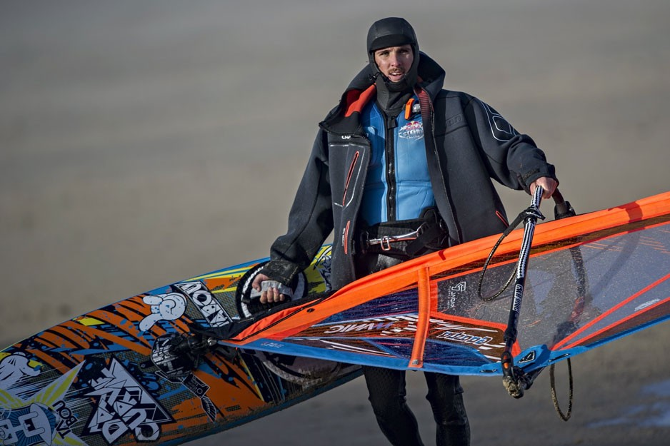 the-tree-mag_red-bull-storm-chase-20132014-mission-3-cornwall_80.jpg